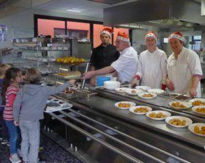repas-de-noel-restaurant-scolaire-13-decembre-2016-12