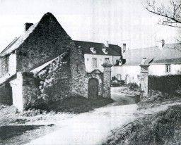 1983 Entrée du presbytère avant l'aménagement du lotissement